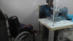 Behindertenzentrum Tivavouane Rollstuhl Nähmaschine
